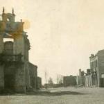 Zniszczenia wojenne w Tłuszczu września 1939 roku, zbombardowana kamienica Wdziękońskich na rogu Powstańców i Kościuszki