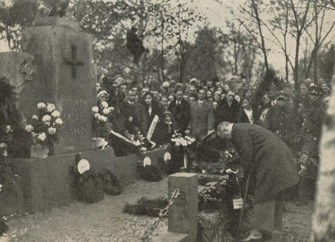 """Pomnik Poległych Żołnierzy w bitwie w 1920 r. na cmentarzu w Markach. """"Tygodnik Illustrowany"""", nr. 45. 3.11.1932 r."""
