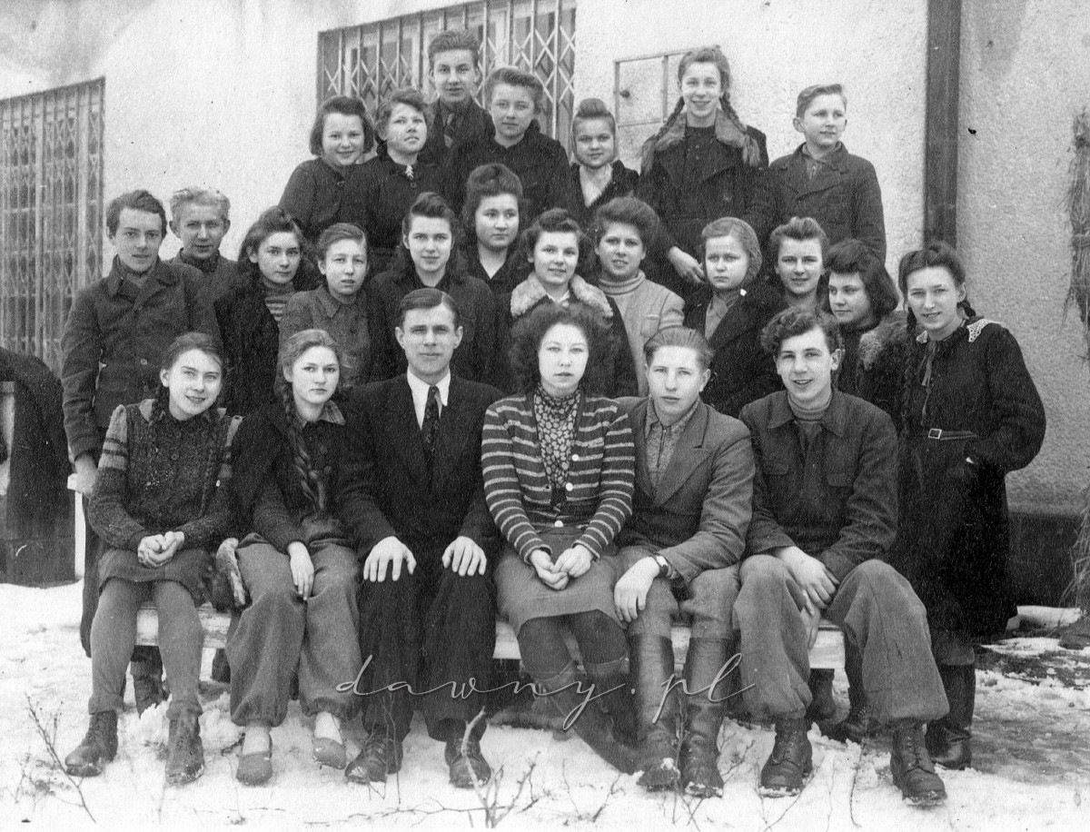 klasa II b gimnazjum Wołomin, 1944
